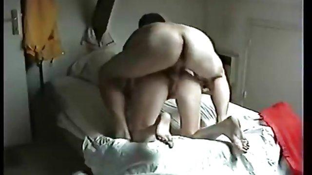 Трахнул сексуальные развлечения русских пожилых женщин на скрытую камеру с молодыми